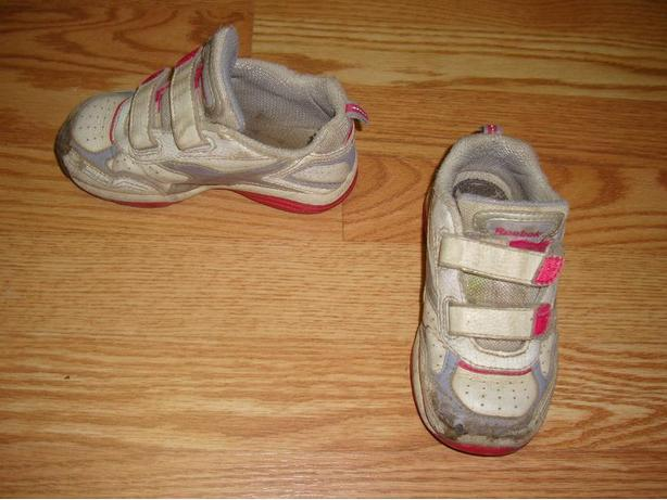 Runners White Pink Toddler Size 8 - $2