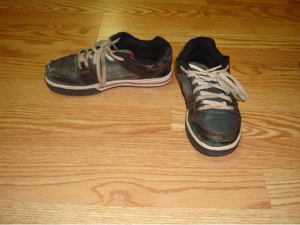 Runners Youth Size 2 - $2!