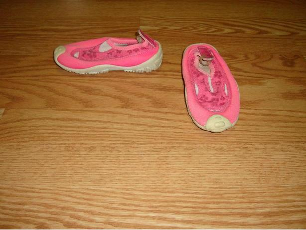 Pink Water Shoes Toddler Size 8 - $5