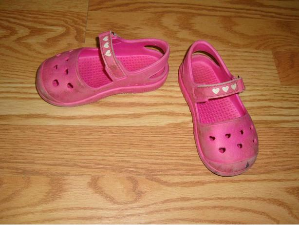Pink Water Shoes Clogs Sandals Toddler Size 9 - $2!