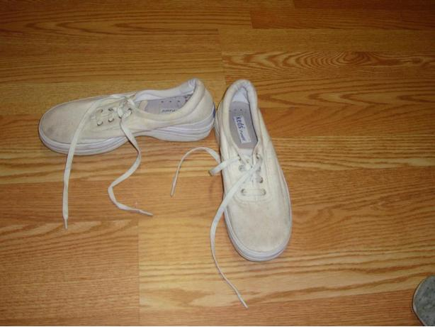 Like New Keds Runners Size 8 Adult - Excellent Condition! $8