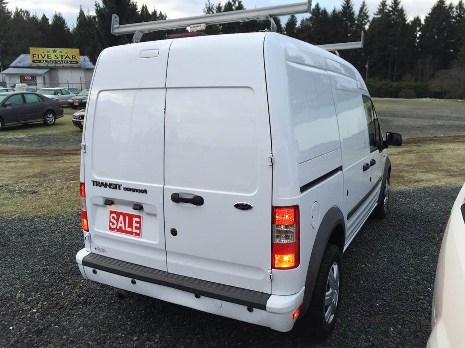 2010 ford transit connect xlt cargo van local vehicle no accidents 137 041kms outside comox. Black Bedroom Furniture Sets. Home Design Ideas