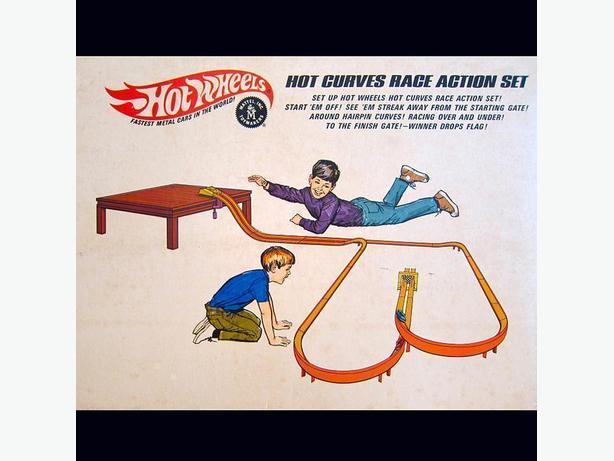 Original Hot Wheels (1968)    Hot Curves Race Action Set