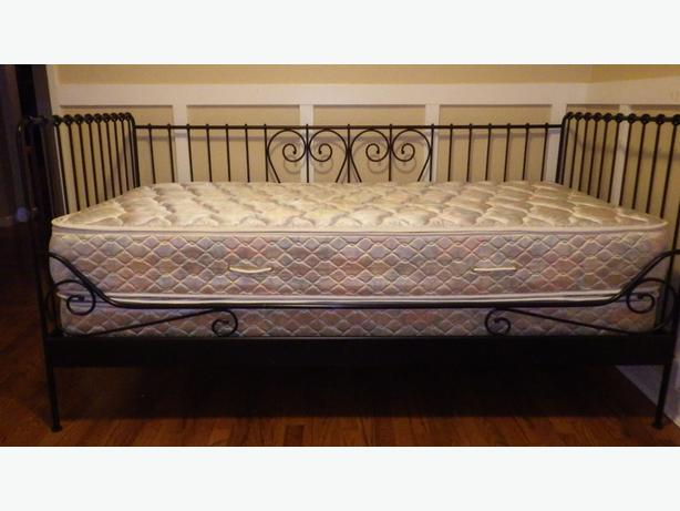 Daybed mattress box spring : Ikea daybed box spring and pillowtop mattress west shore