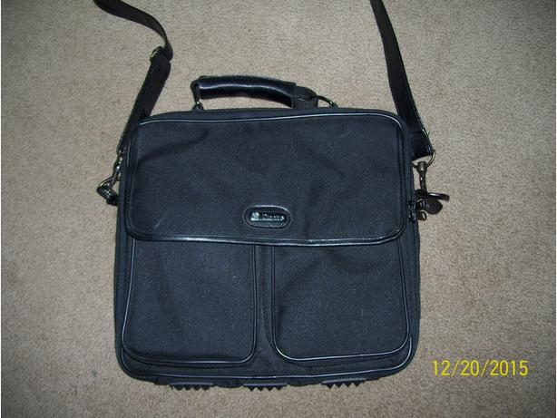 Laptop bag case