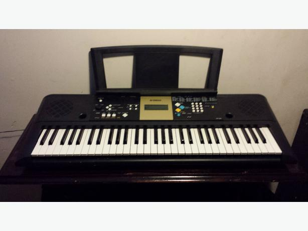 Yamaha electric piano lake cowichan cowichan mobile for Yamaha piano store winnipeg