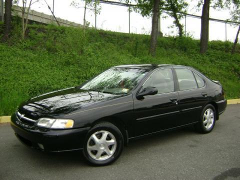 1999 Black Nissan Altima GXE Moving Sale Victoria City Victoria