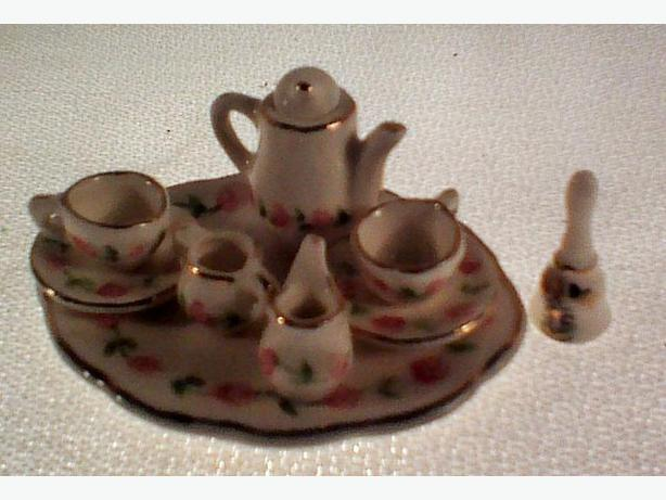 Janice Crawley dollhouse tea set