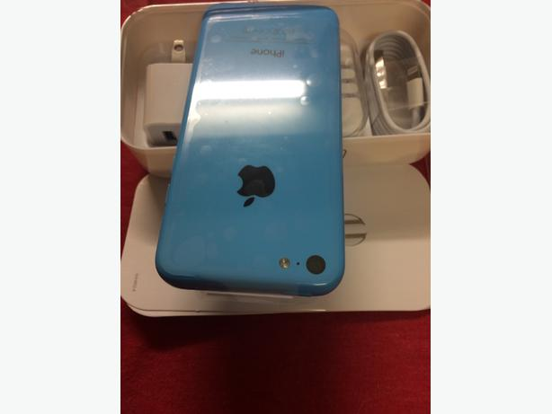 brand new 10%never been used blue iphone 5C 16G bell virgin