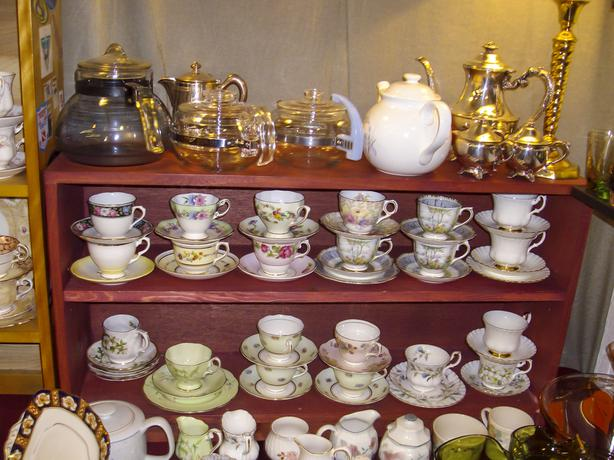 ANTIQUES COLLECTIBLES, GLASSWARE, CHINA, CRYSTAL, SILVER  OCT 22/23RD