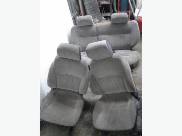 sidekick / tracker seats