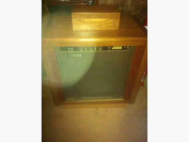 Vintage Yamaha bass amp in custom oak swivel cabinet