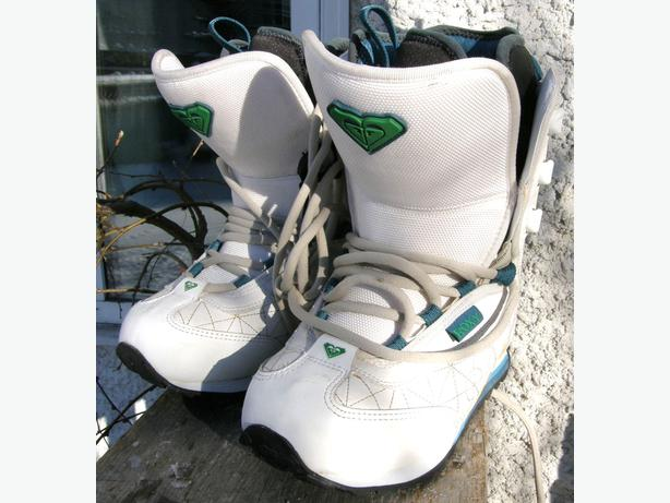 Women's ROXY  Snowboard Boots Size 5 Track Lace Model VGC