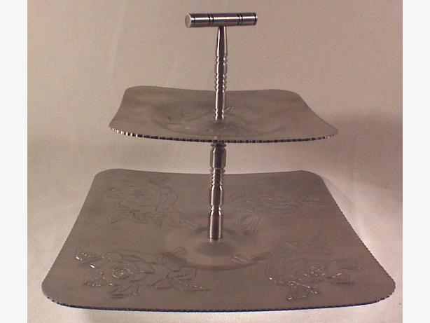 Aluminum 2-tier square handled server