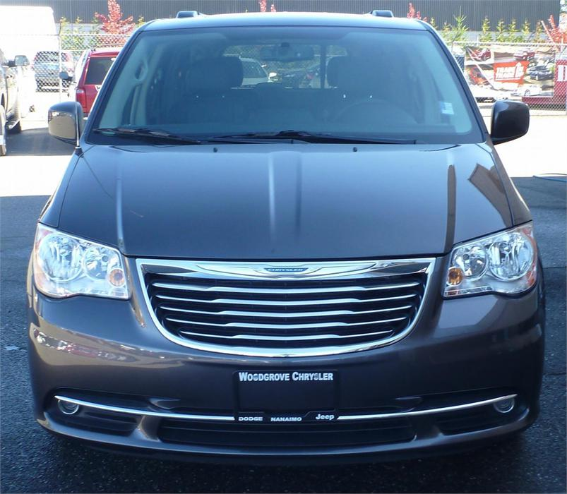 2015 Chrysler Town & Country Touring-L Outside Victoria