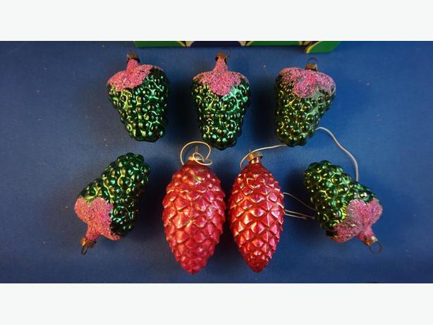 4U2C VINTAGE VARIETY XMAS DECORATIONS STARTING AT 5
