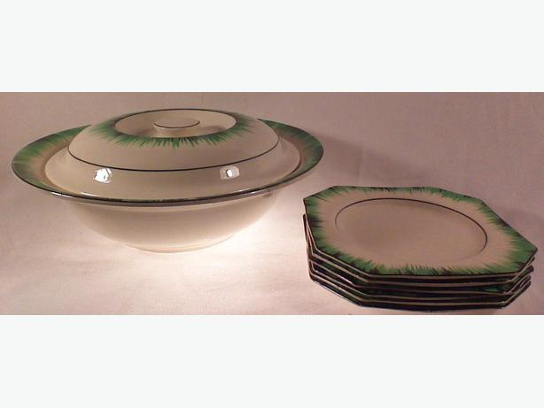 TG Green Grassmere covered dish & plates