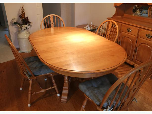 Roxton Maple Dinning Set Table Chairs Buffet Hutch