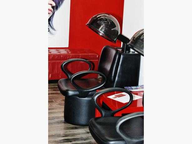 uptown hair lounge is a trendy salon situated in the heart of downtown