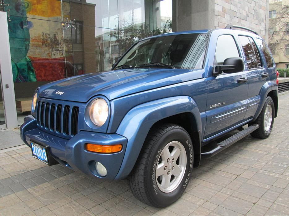 2003 jeep liberty limited edition 4x4 on sale local no accidents outside cowichan. Black Bedroom Furniture Sets. Home Design Ideas