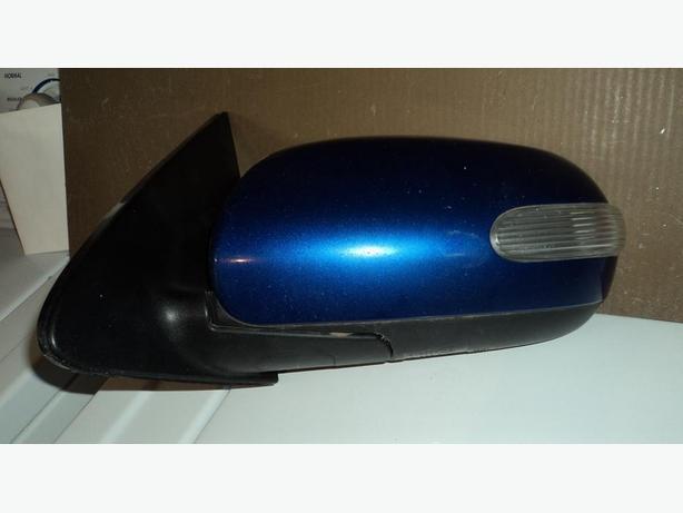 2010 Kia Forte driver side electric mirror