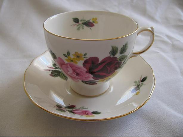Queen Anne Collectible Bone China Cup & Saucer Made In England