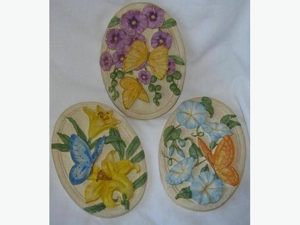 Dimensional Butterflies & Flowers Oval Wall Plaque Set 3PC