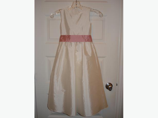 NEW FLOWER GIRL DRESS, SIZE 4