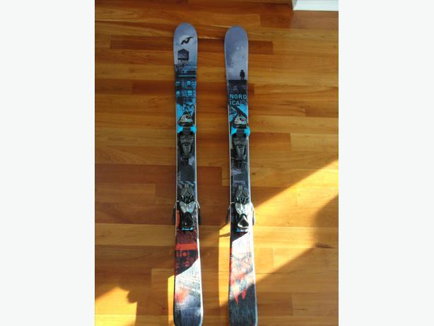 Nordica 138 cm Twintip Skis