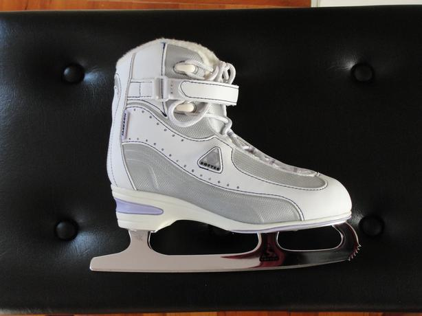 Ladies Size 6 Softec Recreational Skate
