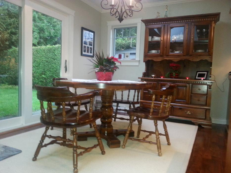 Kroehler dining room suite table 6 chairs buffet with for Dining room tables victoria bc