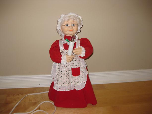 Christmas decoration - Animated Mother Claus