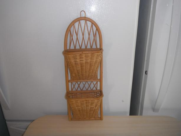 2 slot wicker wall hanger- Duncan