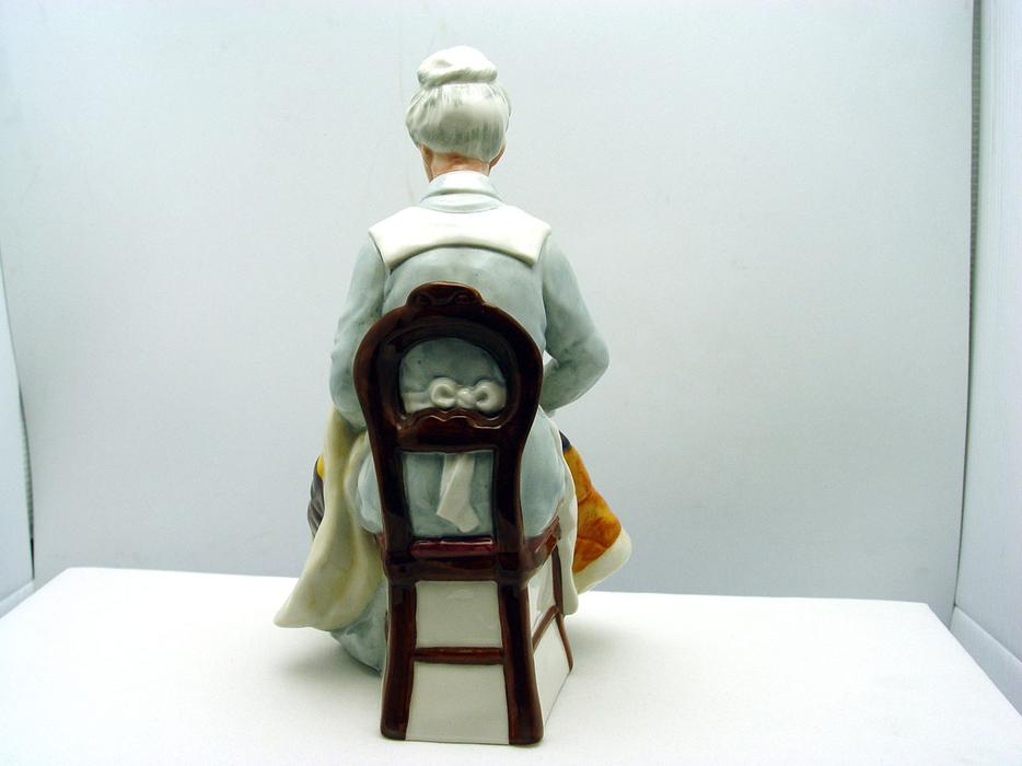 Royal Doulton Quot Eventide Quot Grandma Sewing Quilt Figurine I