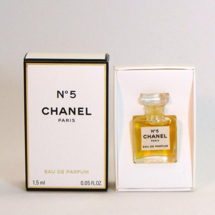 chanel no 5 eau de parfum 1 5 ml authentic mini nib victoria city victoria. Black Bedroom Furniture Sets. Home Design Ideas