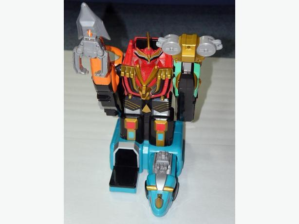 2002 Bandai Power Rangers Deluxe Isis Command Megazord! WORKS!