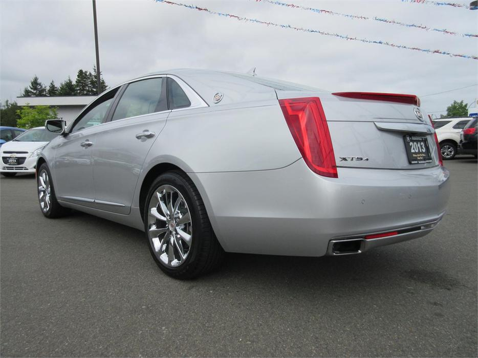 2013 cadillac xts awd premium parksville nanaimo mobile. Black Bedroom Furniture Sets. Home Design Ideas