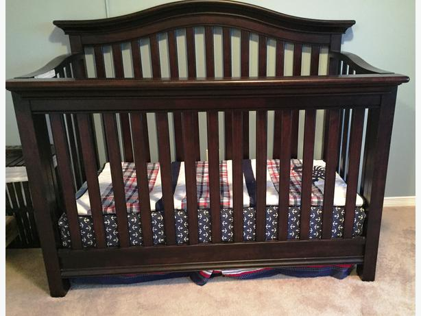 Solid Wood Crib Espresso Gloucester Ottawa Mobile