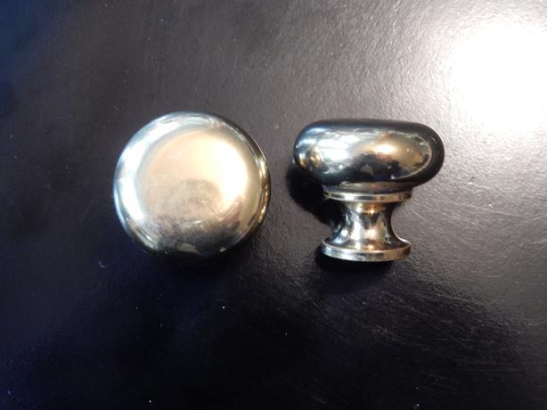Richelieu brass cabinet knobs
