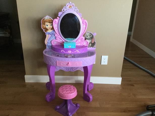 Sofia The First Talking Vanity Set