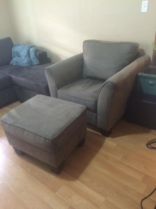 comfy microfibre taupe green toned reading chair and ottoman victoria city victoria. Black Bedroom Furniture Sets. Home Design Ideas