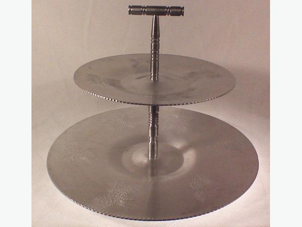 Aluminum 2-tier round handled server