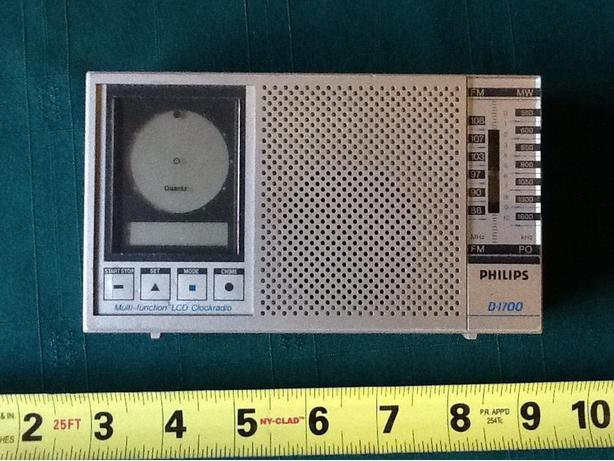 Philips D-1700 multi-function LCD transistor clockradio