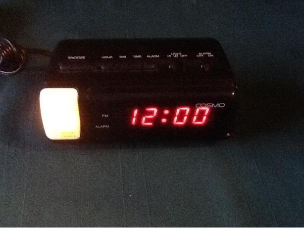 COSMO alarm clock with night light