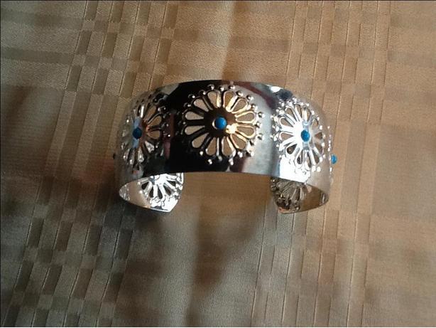 """PriceReduced -- 2-3/4"""" Silver Bracelet"""