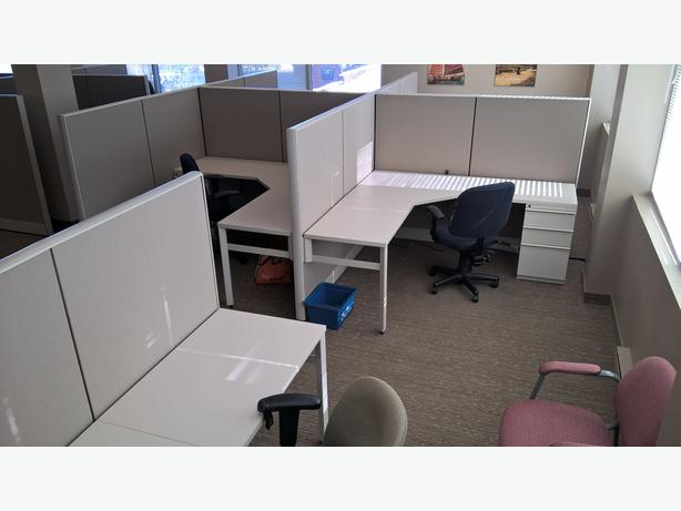 Knoll Horizon highend workstations reduced to $450 each from list at $1350.