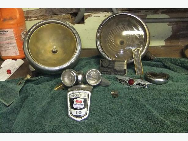 1936 Morris A  10  headlights signal lights and ornaments