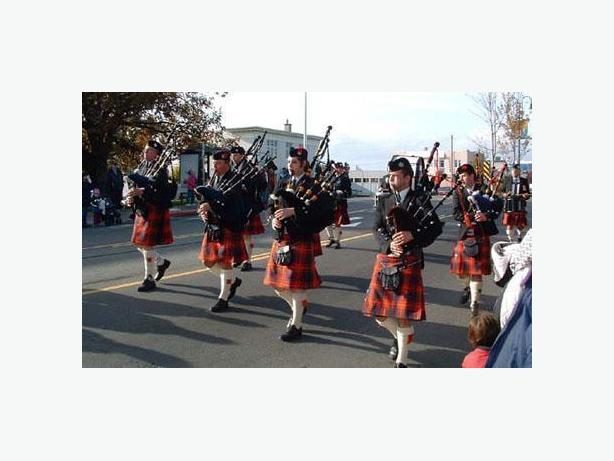 CASTLE CARY PIPES & DRUMS - VICTORIA BC