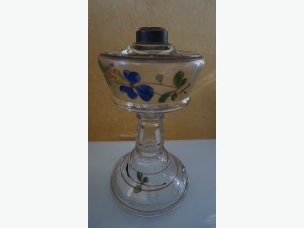 4U2C ANTIQUE BASE ONLY, HAND PAINTED OIL LAMP CHIP ON BASE