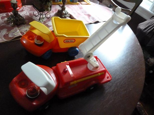 Set of 2 Little Tikes Trucks